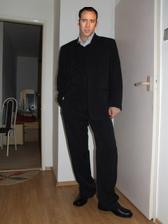 draheho oblek, ako uliaty, hlava patri N. Cageimu :-)