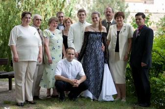 Velká rodiná fotka.. Bohužel od Jendy chybějí někteří sourozenci.. A ode mě Marta..