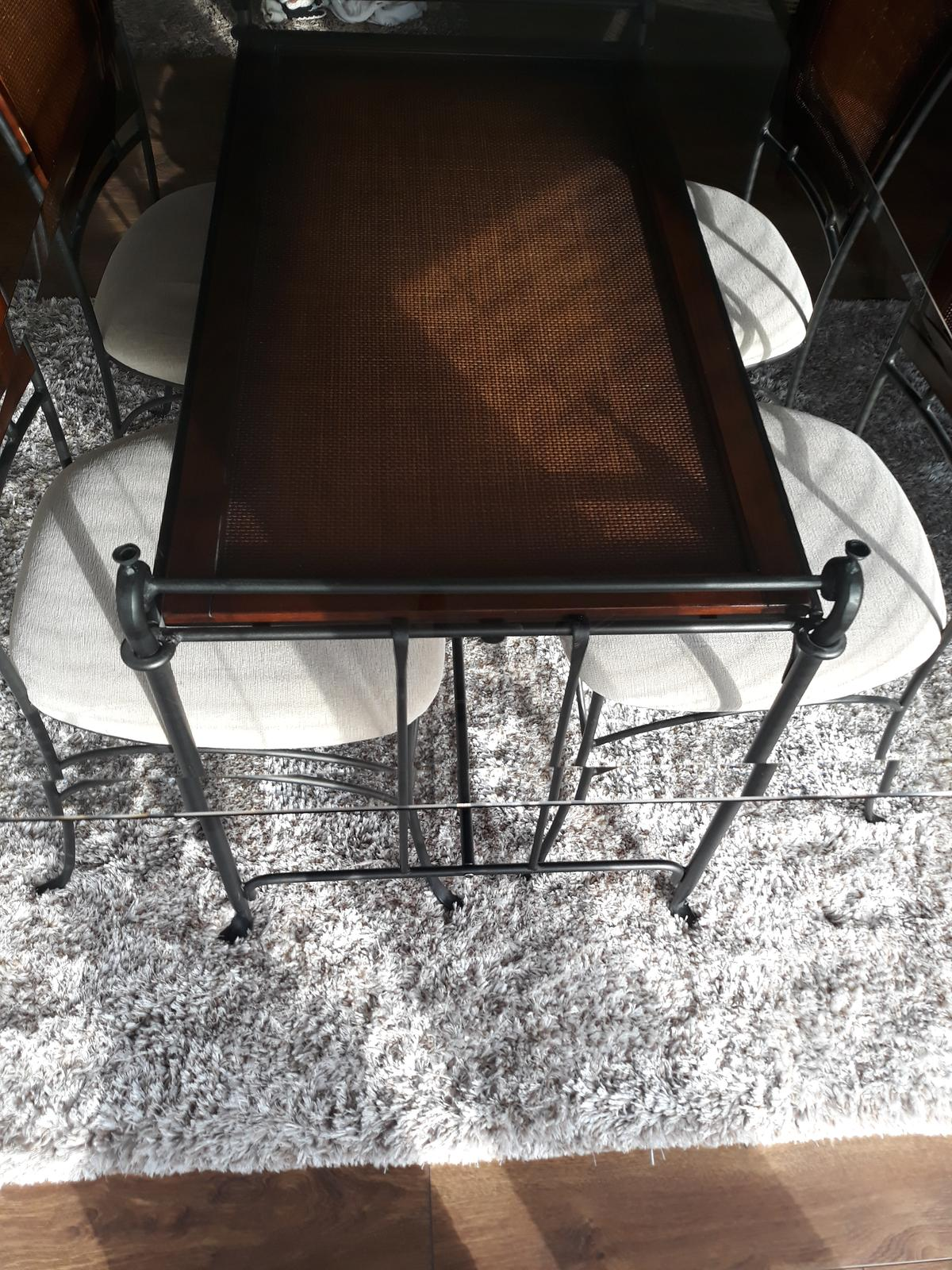 Jedálenský stôl VINOTTI - Obrázok č. 1