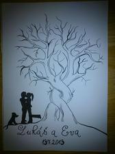 Náš svatební strom :) má tvorba. Doprava dolů přemýšlím, že obtisku tlapku naší krásky a doleva dolů obtisknu naše prsty.