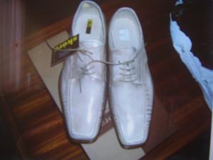 Konečne sme kúpili topánky :-))))