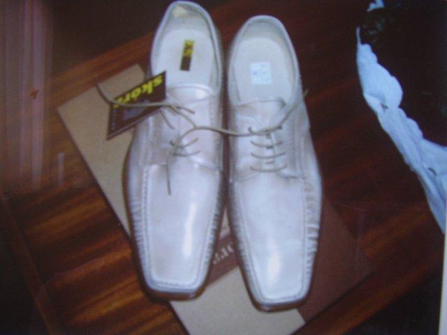 Zuzka a Erik - Konečne sme kúpili topánky :-))))