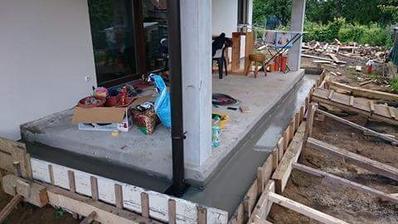 Zaliate schody na terase...+ bordel vsade kam sa pozriem 😂