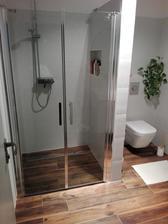 Po 1 a pol roku sprchove dvere 😊. Pasovali len jedny tak som nemala starosti s vyberom 😂