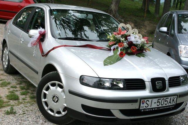 Vyzdoby svadobných  áut - Obrázok č. 12