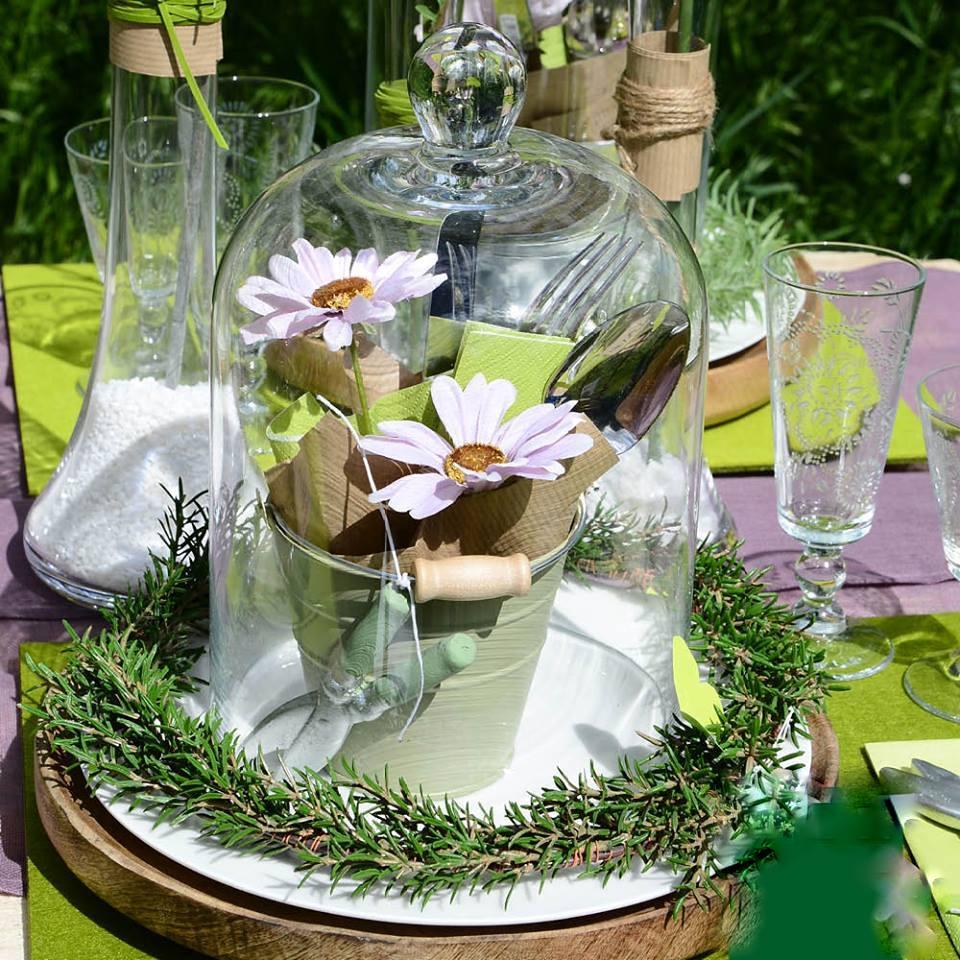 Vášeň pre sklenené poklopy - záhradná dekorácia