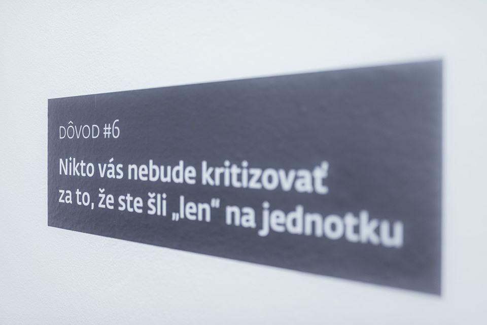 Každý schod sa počíta! Toto sa mi veľmi páči: ... na jednom schodisku v jednej administratívnej budove v Bratislave - Obrázok č. 2