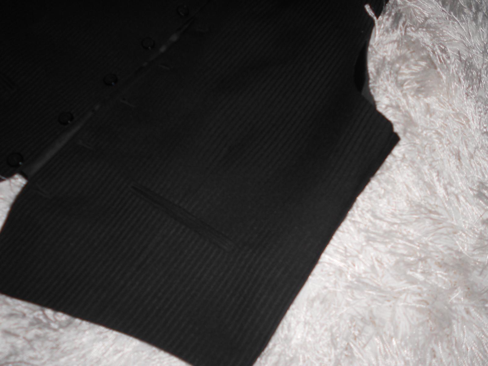 Oblek čierny + 2ks košele a kravaty gratis - Obrázok č. 4