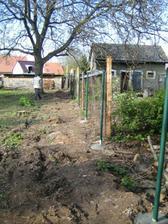 plotové sloupky hotovy :-)