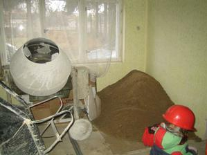 Míchačka, písek a Bořek jsou připraveni k výkonu :-)