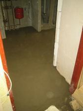 """Jupííííííííííí podlahy jsou komplet! Je to radost pohledět na """"vlastní"""" (manželovu) práci :-)"""