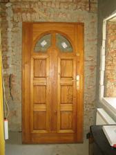 Chybička se vloudila - dveře se nám nevejdou do stavebního otvoru :-( jsou na prodej, kdyby někdo chtěl