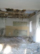 Po bourání stropu - ještě větší bordel :-D