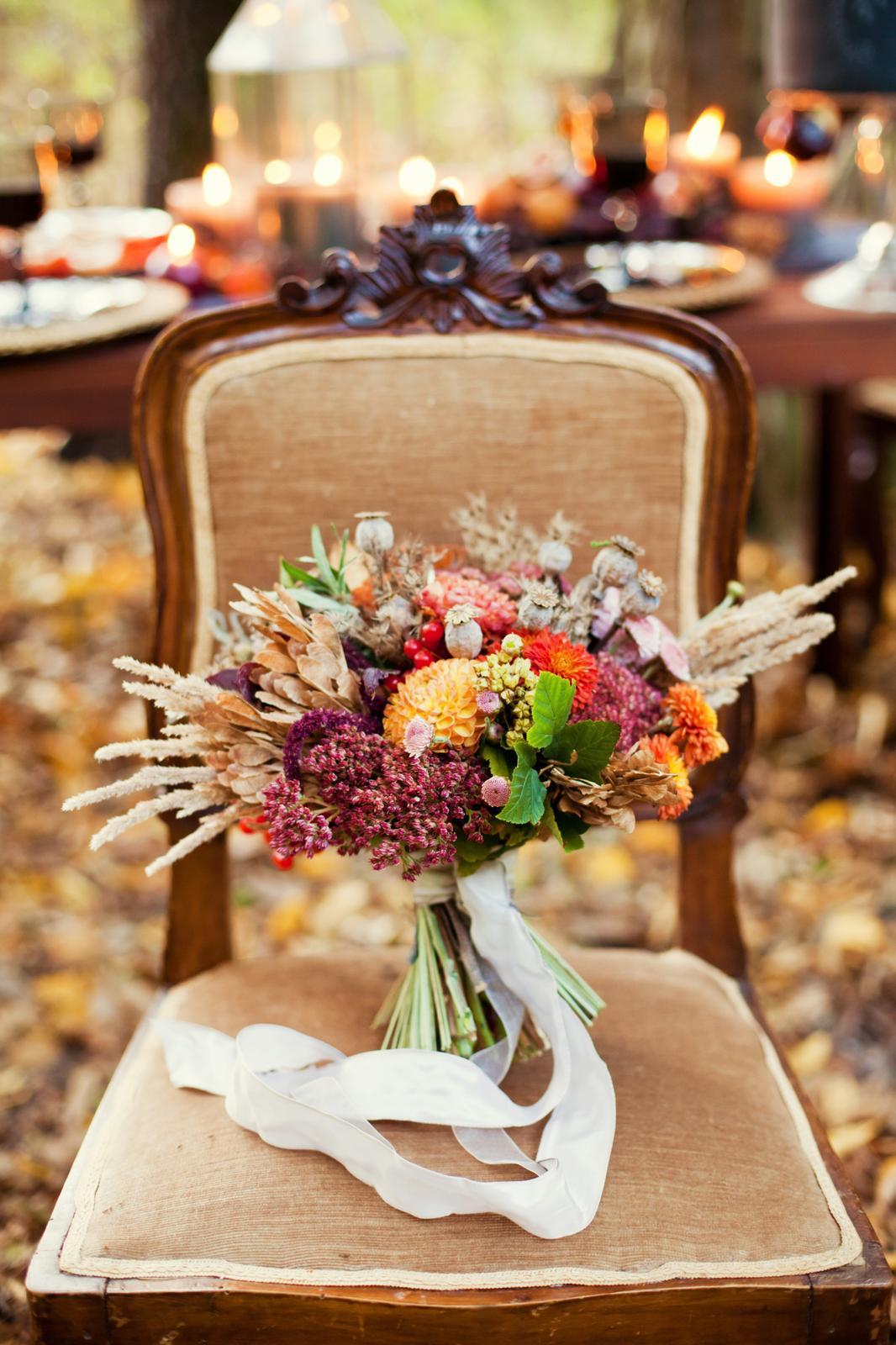 """V našom svadobnom magazíne začíname so sériou článkov """"Jesenná svadba"""" (prvý diel si môžete prečítať tu: https://www.mojasvadba.sk/svadba-na-jesen-dizajn). Plánujete aj vy jesennú svadbu? Čo vás najviac inšpirovalo? Aký prvok na vašej jesennej svadbe určite nemôže chýbať? Ukážte nám vo fotoblogu svoju predstavu a zverejnený príspevok označte #jesennasvadba . Za každé označenie vás odmením srdiečkom :) Navoďme si na Mojej svadbe tú správnu atmosféru jesene a vzájomne sa inšpirujme :) - Obrázok č. 1"""