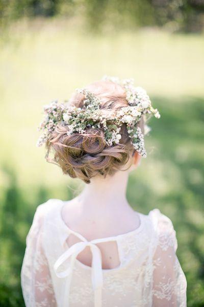 Svadobné účesy oživené kvetmi - Obrázok č. 4