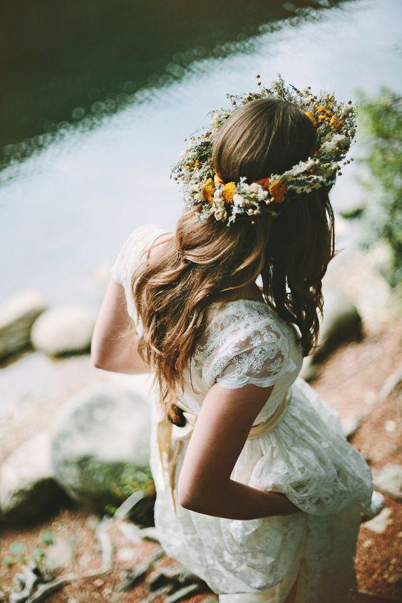 Svadobné účesy oživené kvetmi - Obrázok č. 8