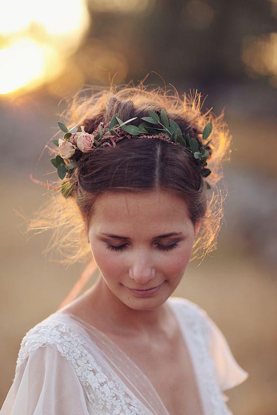 Svadobné účesy oživené kvetmi - Obrázok č. 16