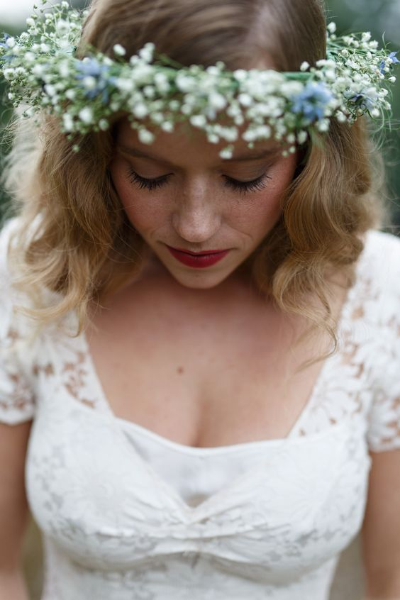 Svadobné účesy oživené kvetmi - Obrázok č. 43