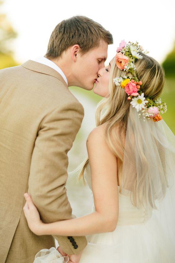 Svadobné účesy oživené kvetmi - Obrázok č. 51