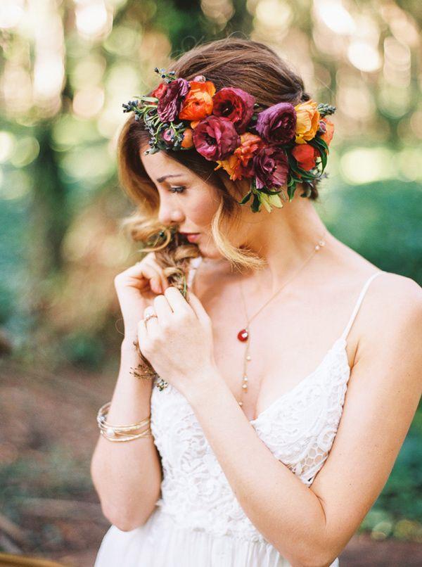Svadobné účesy oživené kvetmi - Obrázok č. 54