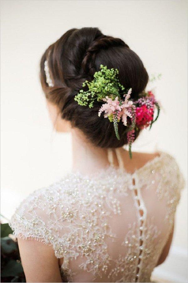 Svadobné účesy oživené kvetmi - Obrázok č. 55