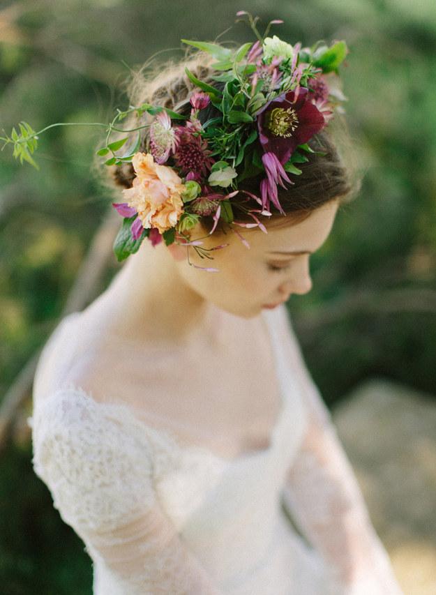 Svadobné účesy oživené kvetmi - Obrázok č. 58