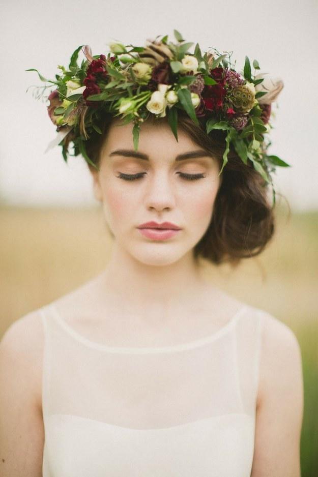 Svadobné účesy oživené kvetmi - Obrázok č. 62
