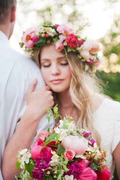 Svadobné účesy oživené kvetmi - Obrázok č. 73
