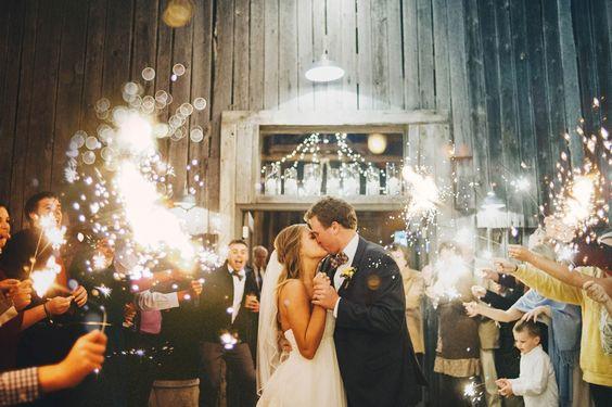 Inšpirácie na svadobné fotky - Obrázok č. 90