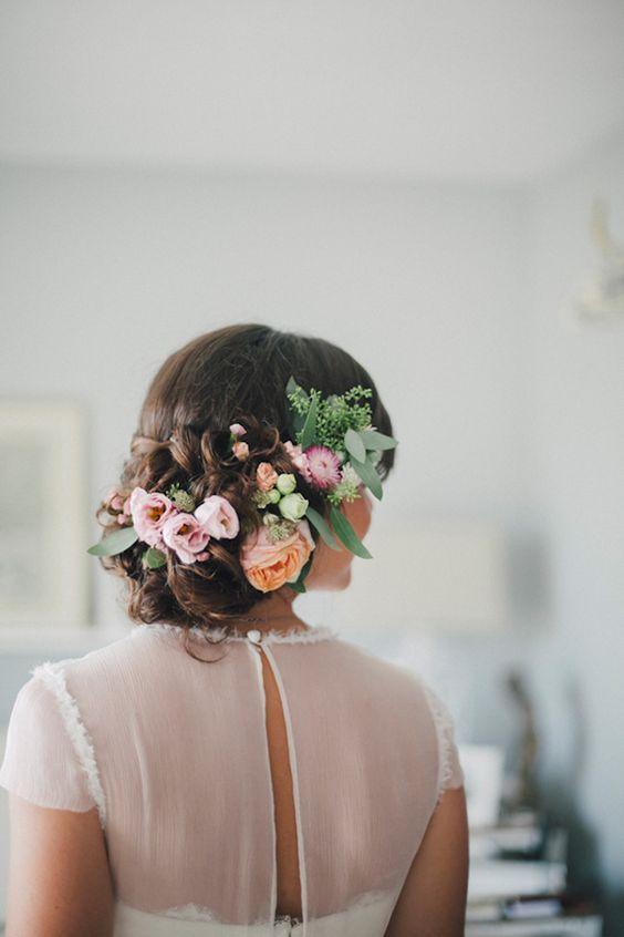 Svadobné účesy oživené kvetmi - Obrázok č. 86