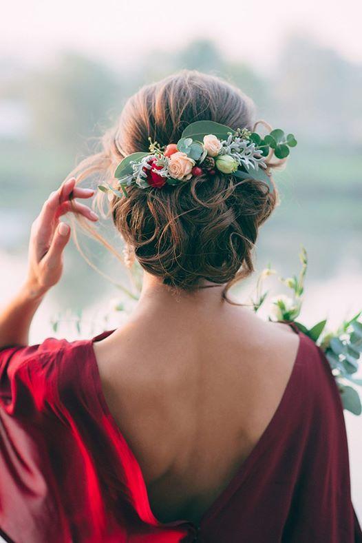 Svadobné účesy oživené kvetmi - Obrázok č. 89