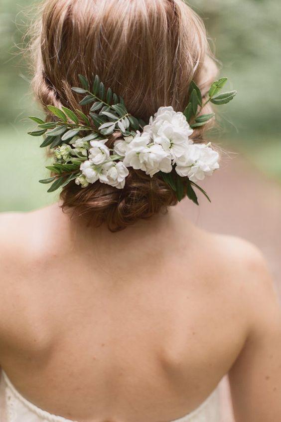 Svadobné účesy oživené kvetmi - Obrázok č. 96