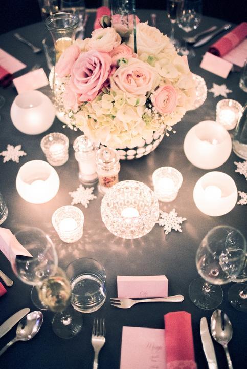V záložke Svadobné inšpirácie sme dnes vytvorili dve nové kategórie. Kategóriu Svadobné fotenie, kde nájdete najkrajšie svadobné fotky našch neviest, ale aj inšpirácie na pekné svadobné fotky. A kategóriu Stolovanie, kde nájdete nápady na výzdobu svadobných stolov. Máte nejaké pekné obrázky, ktoré by sa do týchto inšpirácií hodili? Označte ma priamo pod vašimi obrázkami a pridám ich :) verím, že vám inšpirácie poslúžia! :) - Obrázok č. 1
