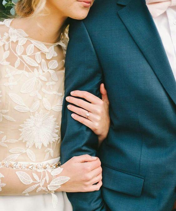 Svadobné šaty s dlhými rukávmi - Obrázok č. 8