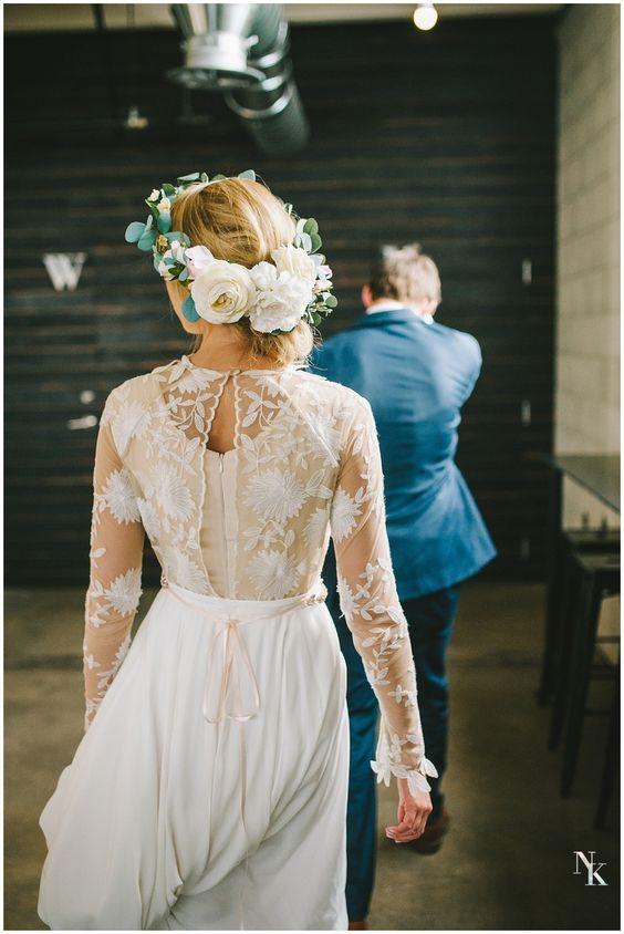 Svadobné šaty s dlhými rukávmi - Obrázok č. 9
