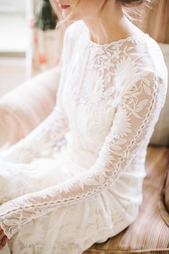 Svadobné šaty s dlhými rukávmi - Obrázok č. 14