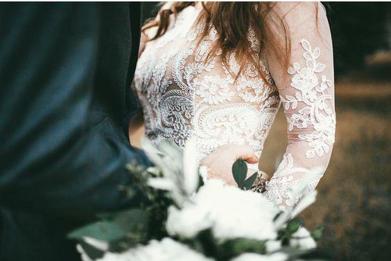 Svadobné šaty s dlhými rukávmi - Obrázok č. 27