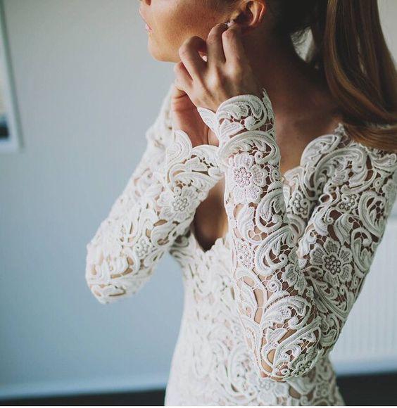 Svadobné šaty s dlhými rukávmi - Obrázok č. 37