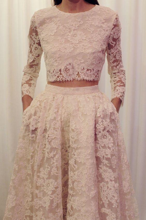Svadobné šaty s dlhými rukávmi - Obrázok č. 40
