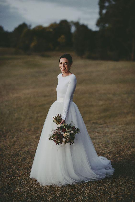Svadobné šaty s dlhými rukávmi - Obrázok č. 46