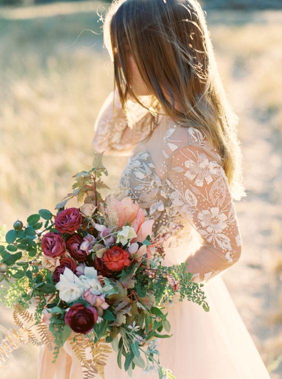 Svadobné šaty s dlhými rukávmi - Obrázok č. 51