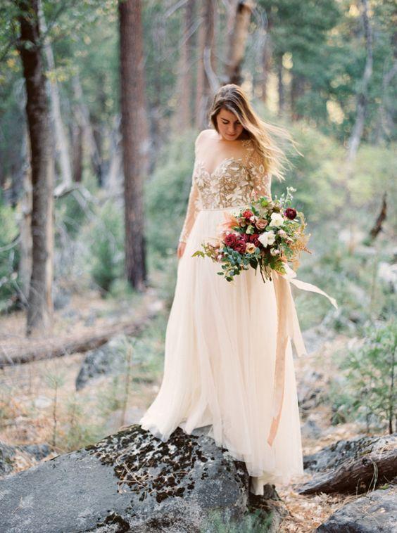 Svadobné šaty s dlhými rukávmi - Obrázok č. 52