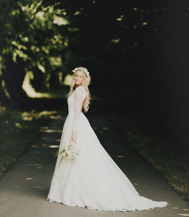 Svadobné šaty s dlhými rukávmi - Obrázok č. 59