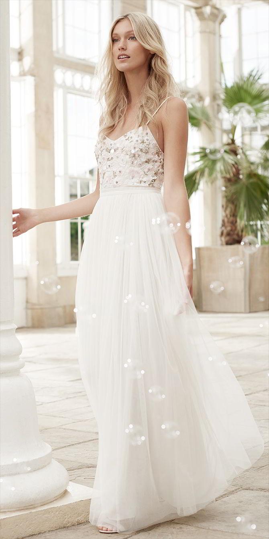 Tieto svadobné šaty z kolekcie Needle & Thread na jar 2017 ma úplne dostali. Nežné, jemné, romantické, ako pre vílu, s tou pravou dávkou elegancie a šmrncu. Pre mňa dokonalé! :) - Obrázok č. 3