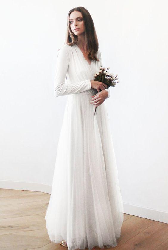 Tak jednoducho, ako sa len dá (minimalizmus v svadobných šatách) - Obrázok č. 2