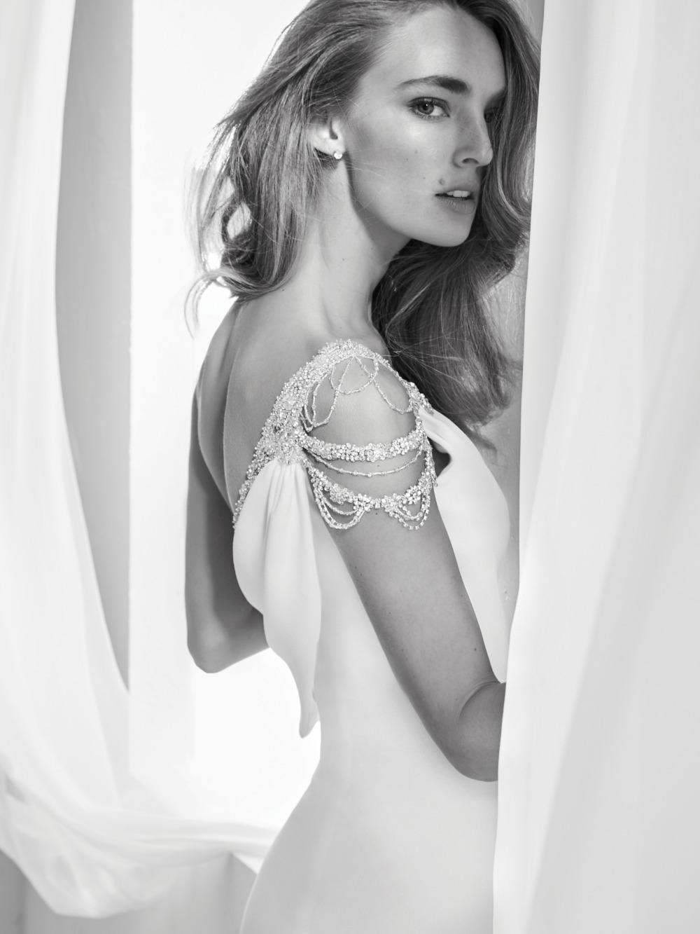 Atelier Pronovias predstavil kolekciu svadobných šiat na rok 2018 - Obrázok č. 2