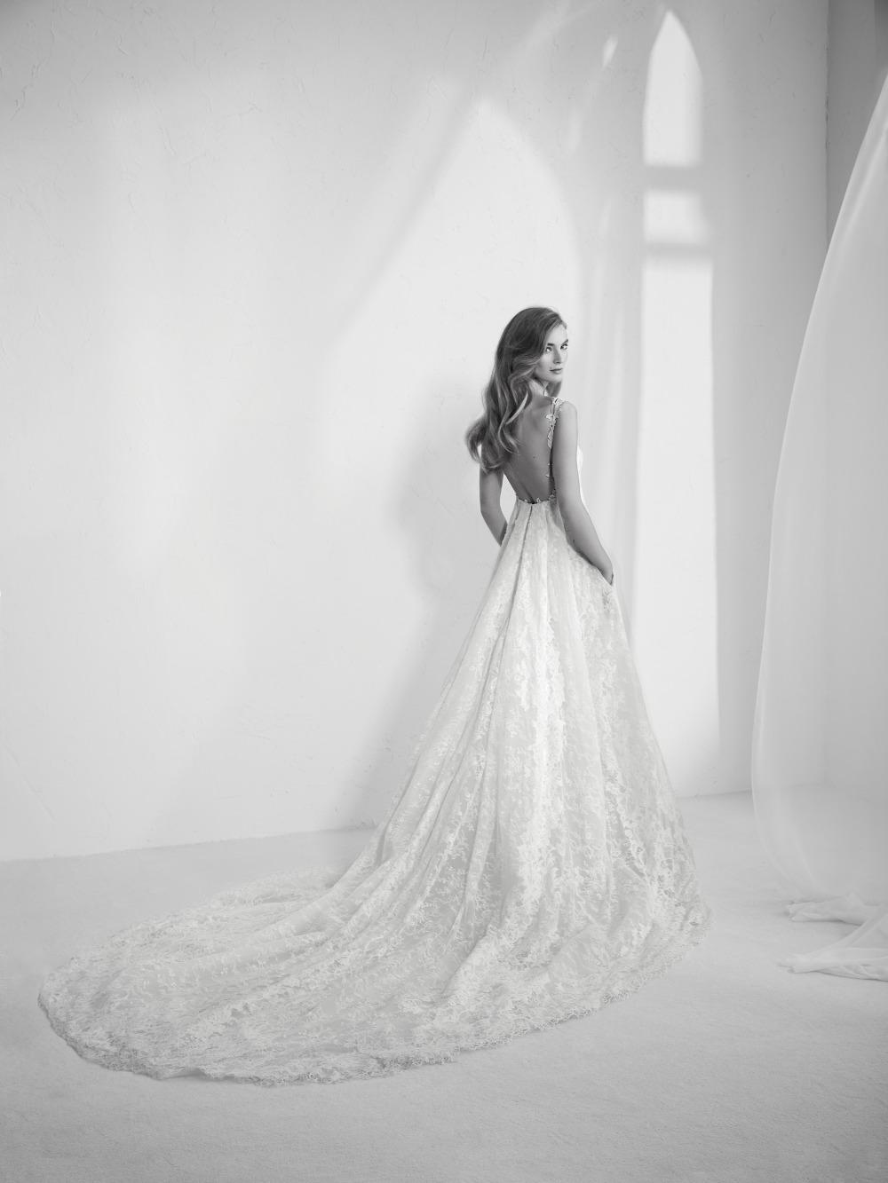 Atelier Pronovias predstavil kolekciu svadobných šiat na rok 2018 - Obrázok č. 4