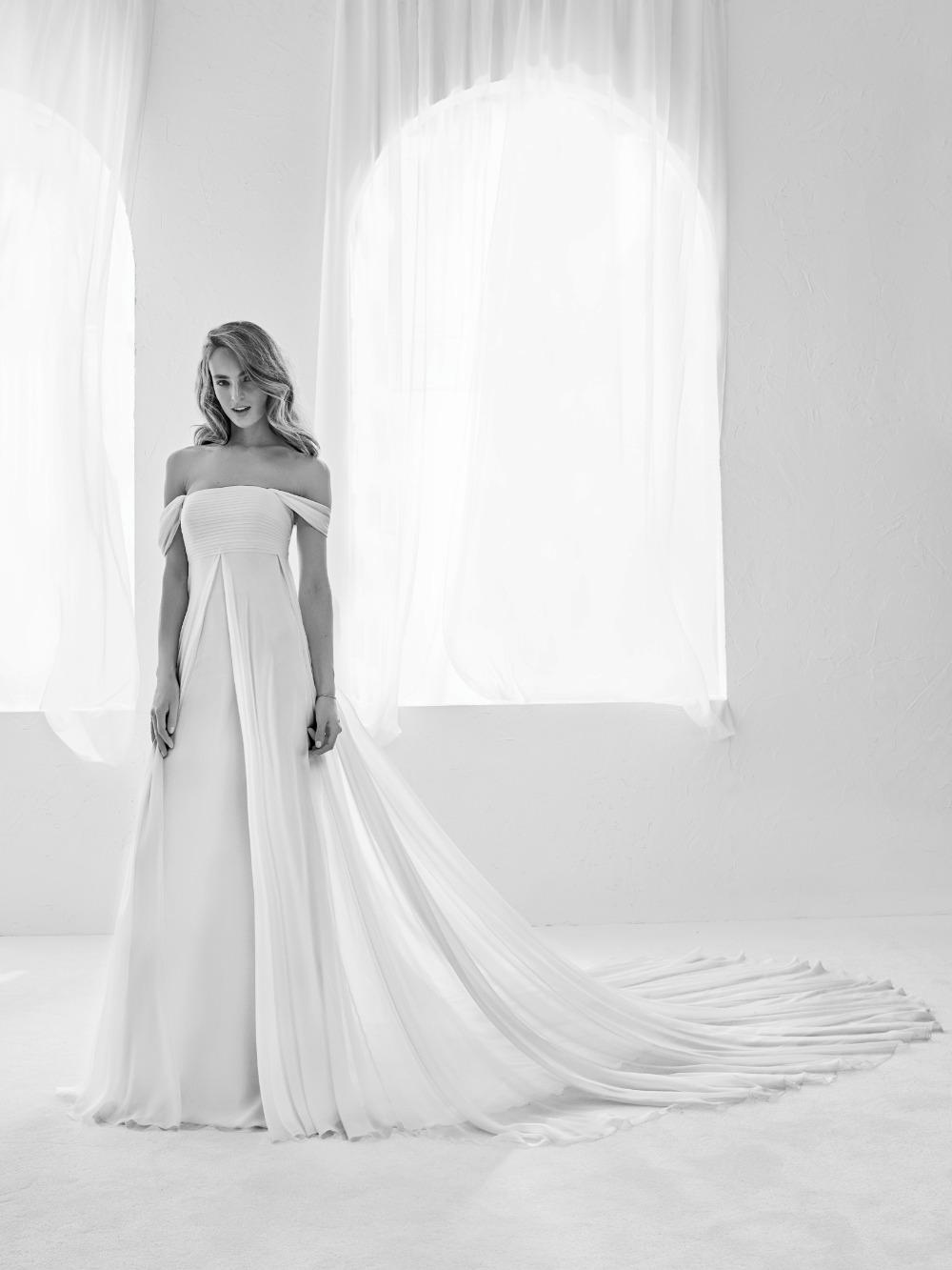 Atelier Pronovias predstavil kolekciu svadobných šiat na rok 2018 - Obrázok č. 16