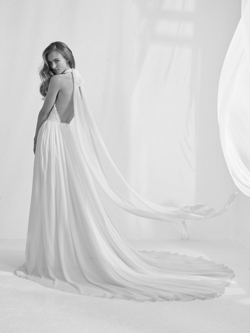 Atelier Pronovias predstavil kolekciu svadobných šiat na rok 2018 - Obrázok č. 17