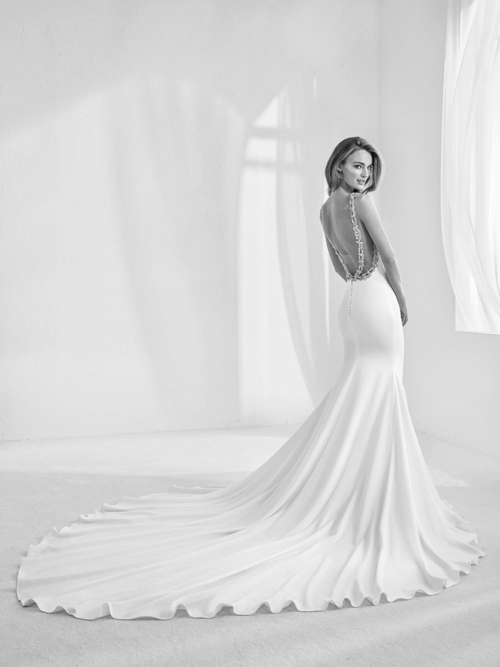 Atelier Pronovias predstavil kolekciu svadobných šiat na rok 2018 - Obrázok č. 27